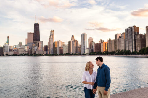 Gorgeous Chicago engagement session at sunset with skyline
