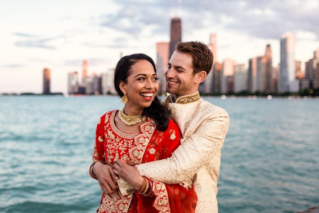 Chicago bride and groom in Indian wedding attire with Chicago skyline