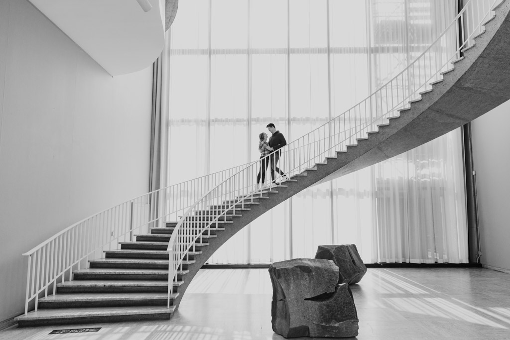 Iconic Chicago engagement photo on staircase at the Art Institute of Chicago